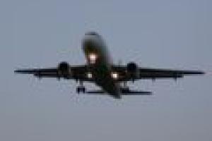 Linie lotnicze obniżają ceny biletów