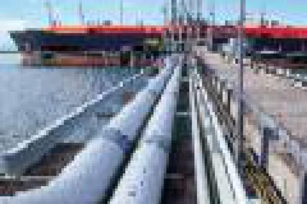 Gazoport: kontrakty i statki potrzebne od zaraz