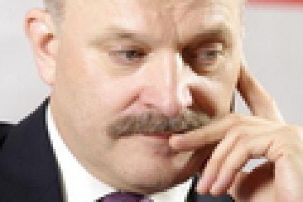 Paweł Olechnowicz: menedżer w politycznym gąszczu
