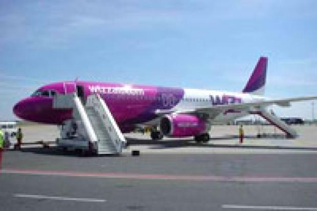 Tanie linie lotnicze walczą o klienta
