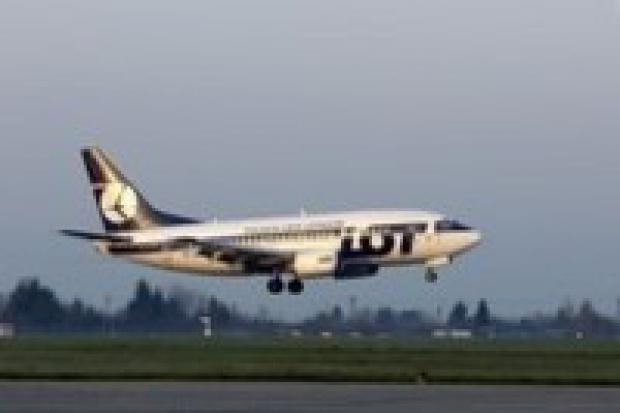 Lotnictwo: rekordowa liczba pasażerów w 2006