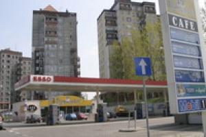 Komplikuje się przejęcie stacji Esso przez Eni