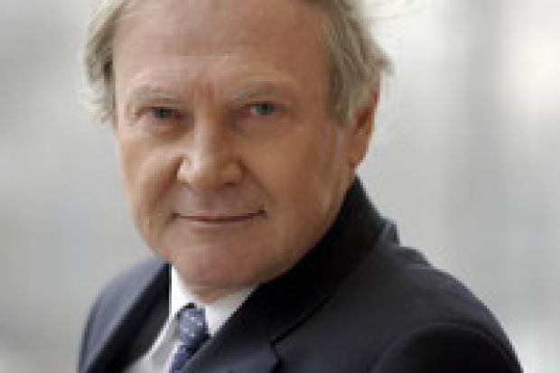 Władysław Mielczarski: spóźnione zmiany w URE