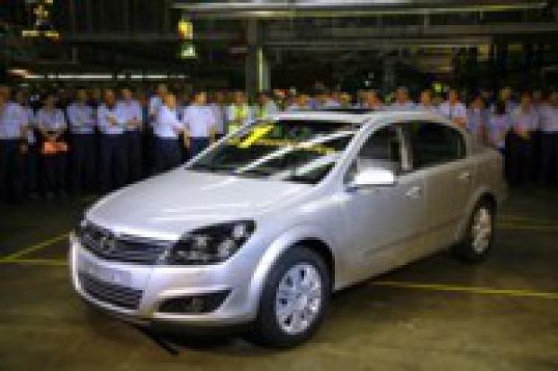 Nowa Astra sedan zjechała z taśmy w Gliwicach