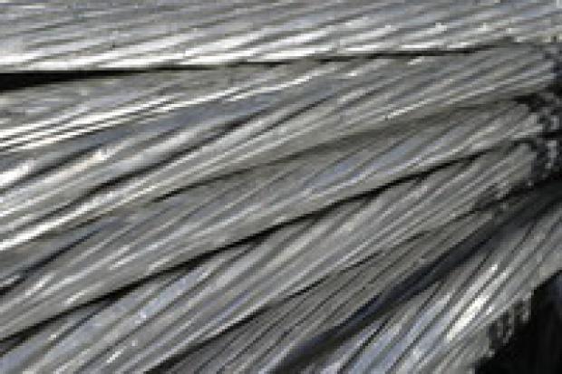 Dystrybutorzy stali w drodze na giełdę