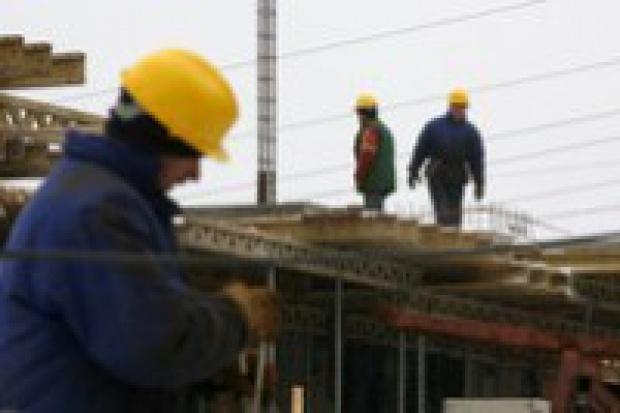 Wypożyczalnie sprzętu budowlanego walczą o sprzęt i ludzi