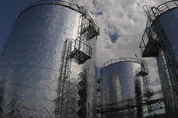 Orlen uspokaja w sprawie magazynów ropy