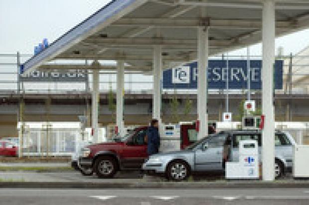 5 proc. stacji sprzedaje sfałszowane paliwa