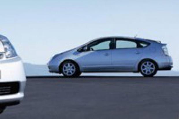 Pawlak reklamuje japoński samochód