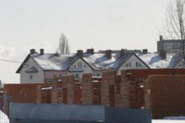Duże domy i mieszkania zdrożeją