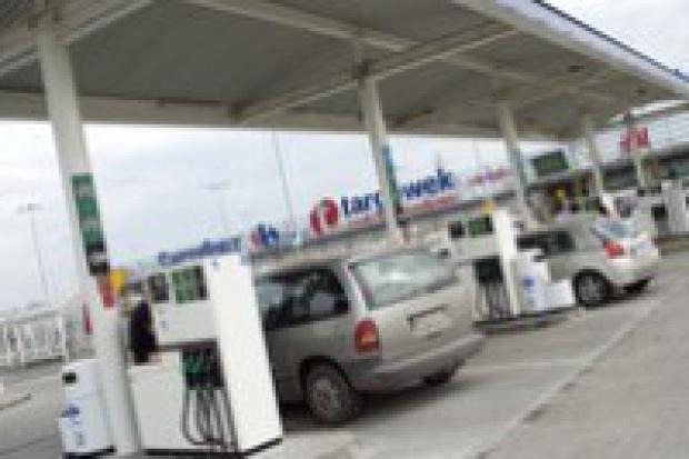 Ceny paliw powinny spaść za kilka dni
