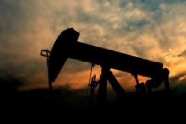 Prokom gromadzi pieniądze na ropę?