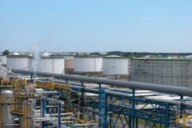 Polsce potrzebne półtoraroczne zapasy ropy?