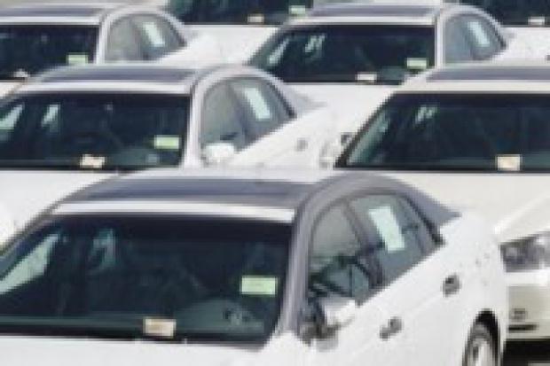 Lepsza sprzedaż samochodów osobowych i dostawczych niż rok temu