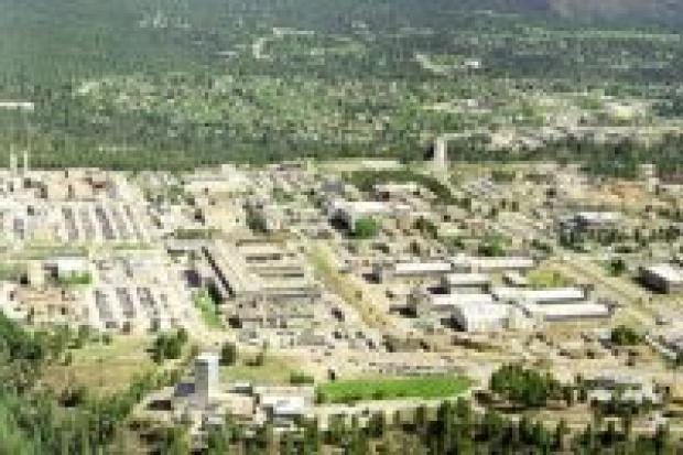 Internetowy atak na Los Alamos i Oak Ridge