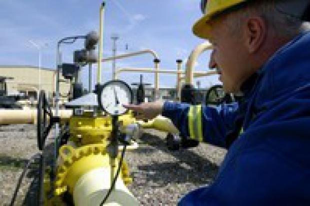 Buzek: Czy Polsce potrzebny terminal LNG?