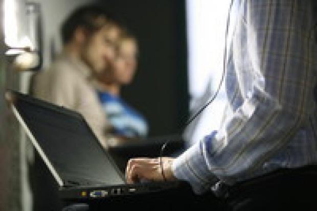 Odwieczna wojna Apple z PC