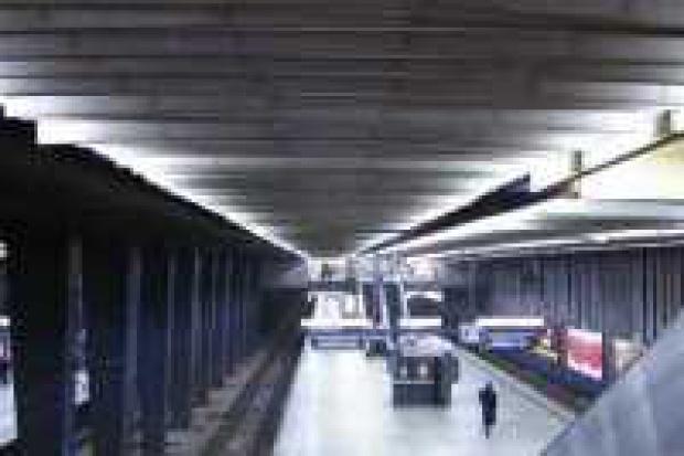Dach Dworca Centralnego czysty po latach