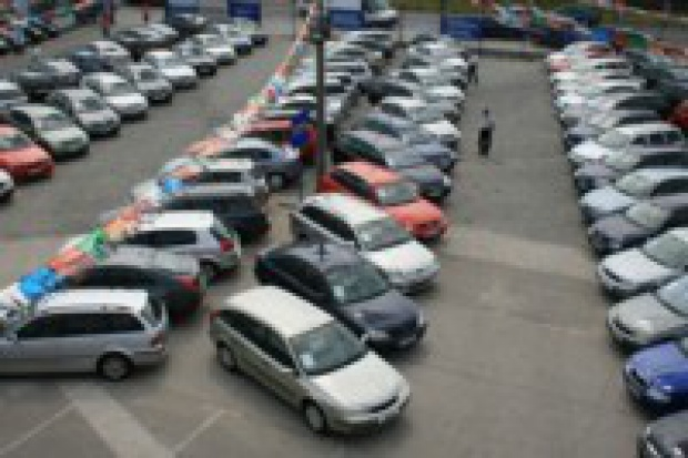 400 tysięcy sprzedanych samochodów AAA Auto
