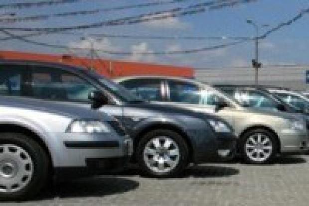Sprzedaż i import aut powyżej prognoz