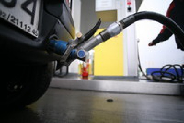 Łukoil kupił stacje benzynowe Russnieftu