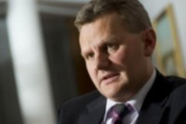 Minister Grad zaprzecza: nie było nacisków na prezesa PKN Orlen