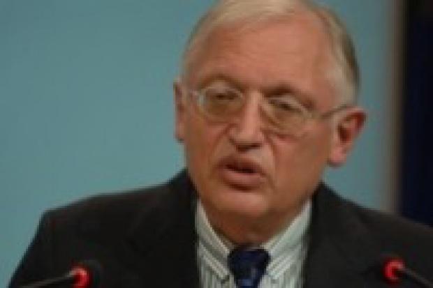 """Verheugen o CO2: huty będą traktowane """"szczególnie"""""""