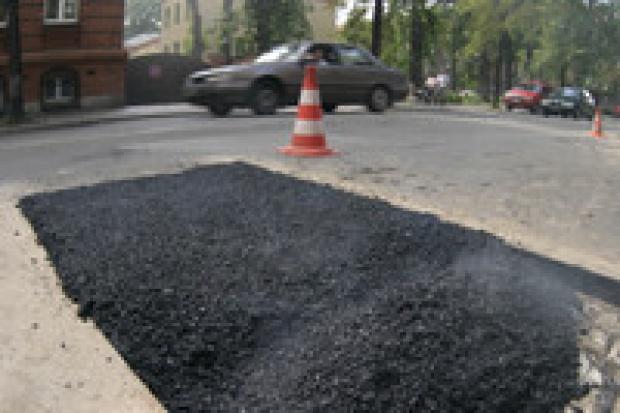 Asfalt pokrzyżuje plany budowy dróg?