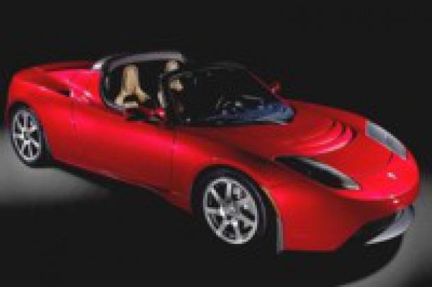 Tesla produkuje elektrycznego roadstera
