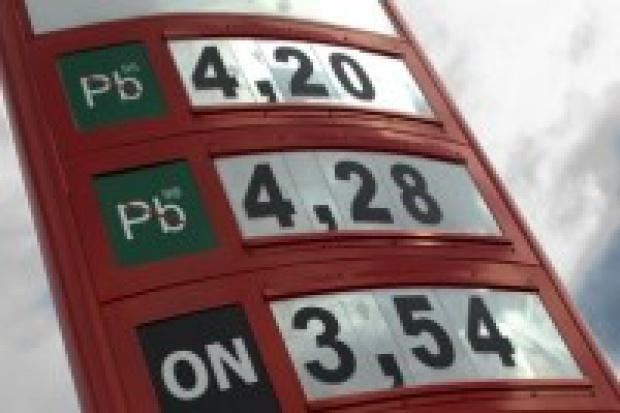 Znikną enklawy tanich paliw