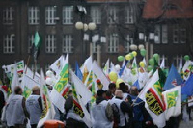 UE: związkowcy domagali się podwyżek płac