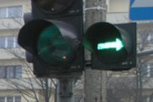 """""""Wieczna"""" zielona strzałka wraca na polskie skrzyżowania"""