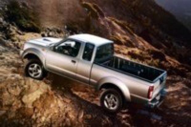 """Nissan i jego """"wół roboczy"""" NP300"""