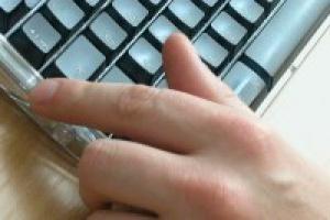 Hakerzy handlują kradzionymi danymi w internecie