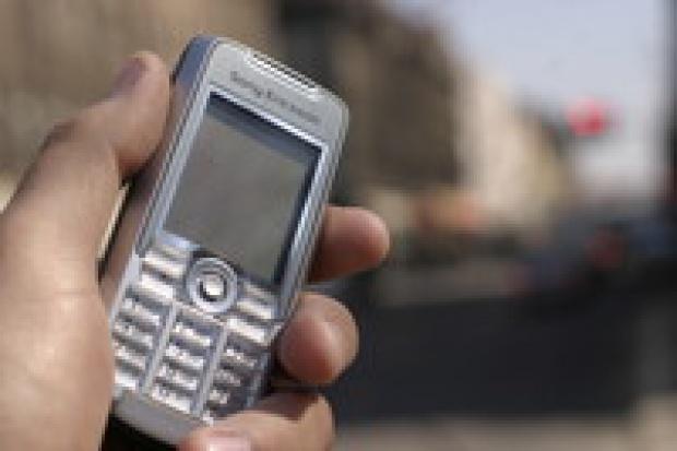 Rośnie wartość rynku telefonii mobilnej