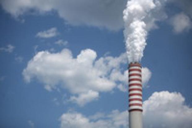 Elektrownie dostały więcej CO2