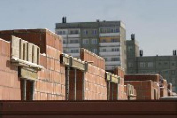 Koniec z budowlanymi absurdami