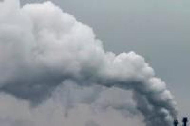 Przemysł krytykuje Donalda Tuska za podział emisji CO2