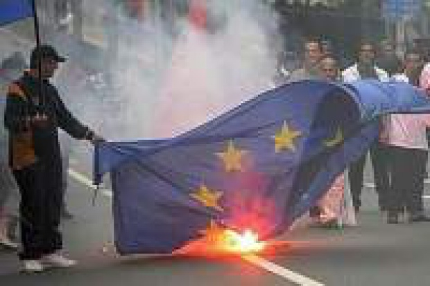Bruksela: bitwa o benzynę