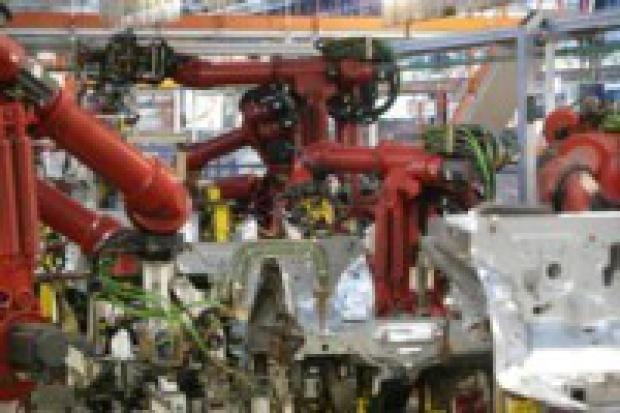 Produkcja aut: mniej niż w kwietniu, więcej niż rok temu