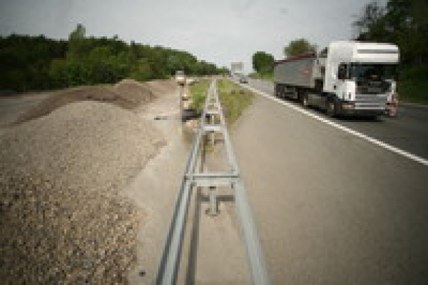 Grabarczyk: W Polsce drogi buduje się drogo