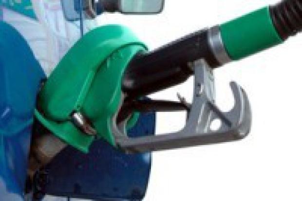Pawlak: akcyza na paliwa w Europie powinna być niższa