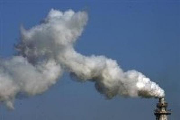 Ernst&Young krytykuje projekty rozdziału emisji CO2