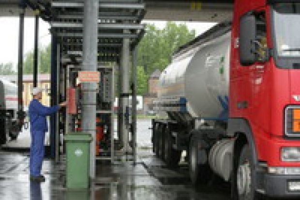 6 zł za litr benzyny na koniec roku to realny scenariusz