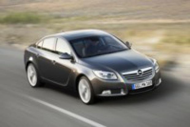 Opel Insignia: podwójna premiera następcy Vectry