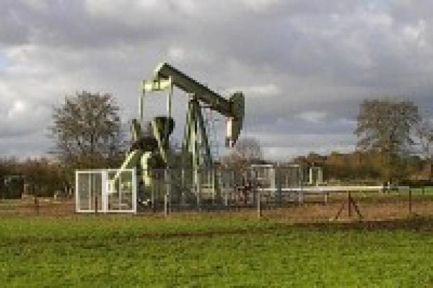Nowy rekord cen ropy - prawie 146 USD za baryłkę