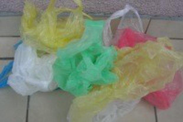 Plastikowe jednorazówki są bardziej ekologiczne od płóciennych toreb