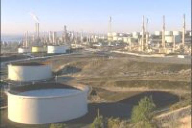 Koncerny naftowe inwestują w gigantyczne złoża w Kanadzie