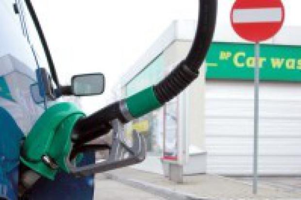 Ceny paliw wreszcie zaczną spadać