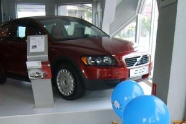 Pogłębia się zapaść sprzedaży nowych samochodów